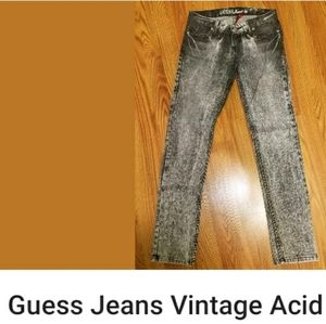 Guess Jean's acid wash skinny size 26